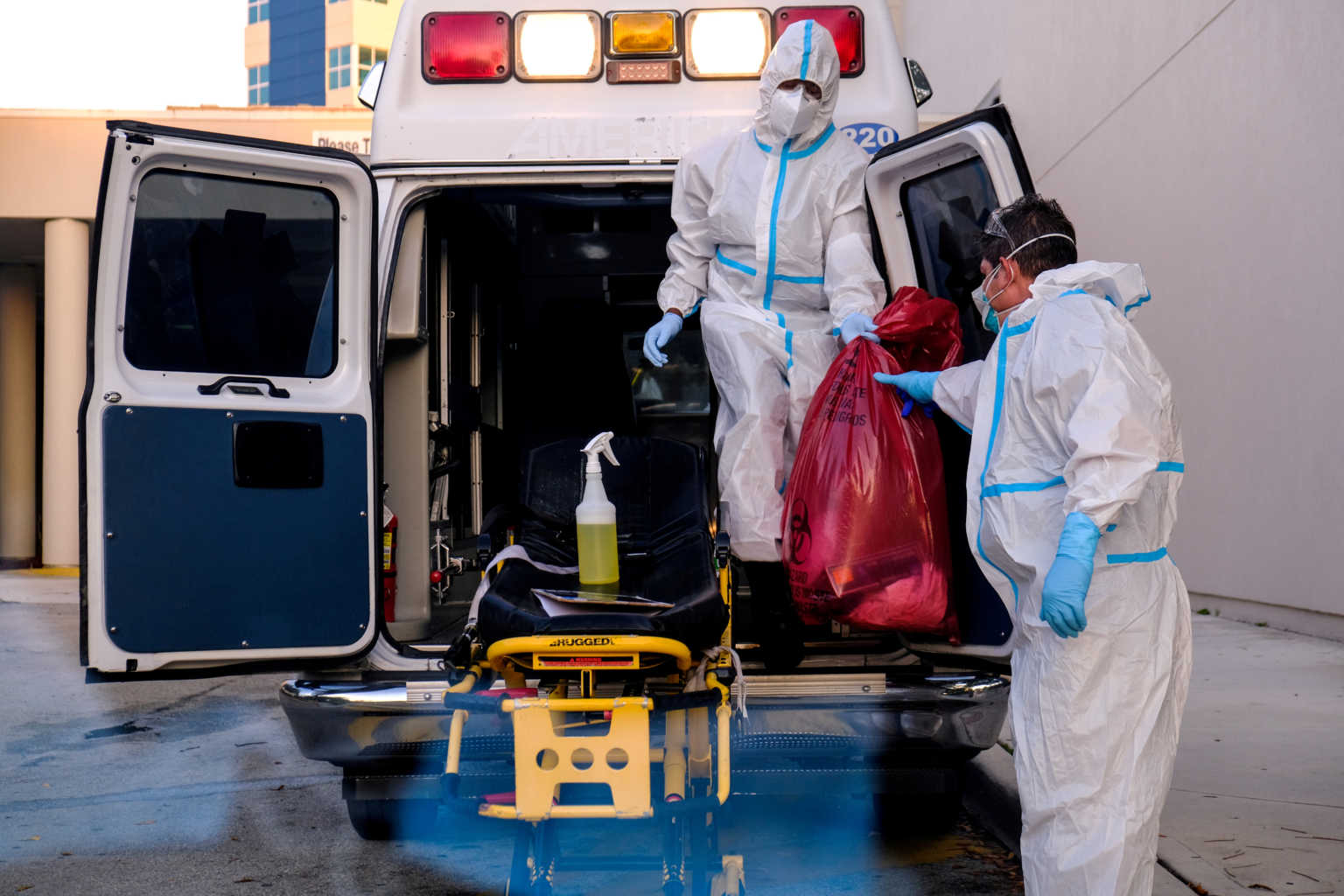 ΗΠΑ: Δεν το χωράει ο νους! 201.961 κρούσματα κορονοϊού και 1.500 θάνατοι το τελευταίο 24ωρο