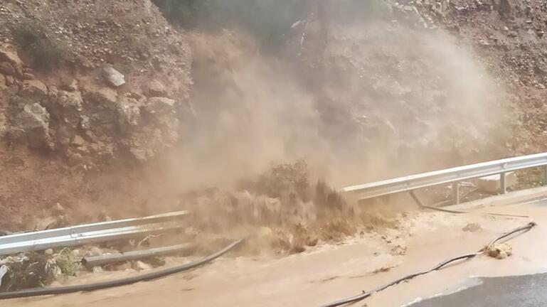 Κακοκαιρία στην Κρήτη: Καταρράκτες στον ΒΟΑΚ – Δείτε το συγκλονιστικό βίντεο