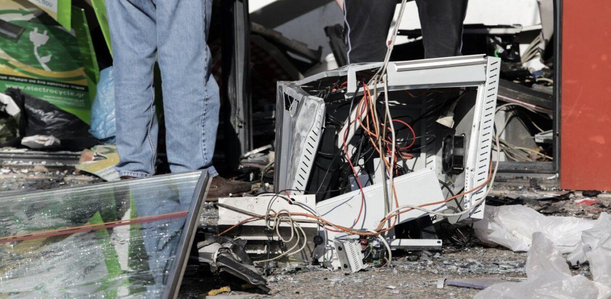 Μεγάλη έκρηξη σε ΑΤΜ στη Θεσσαλονίκη – Μεγάλες καταστροφές