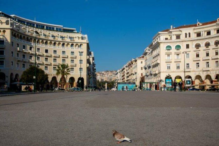 Τόσα κρούσματα θα έχουν Θεσσαλονίκη και Αθήνα στις 31 Δεκεμβρίου
