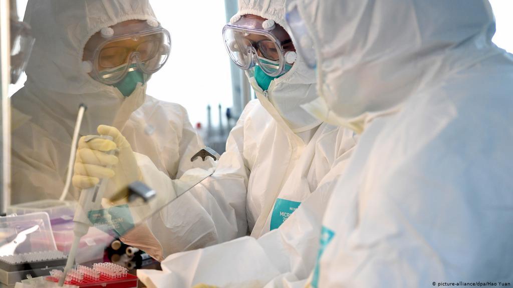 «Αγώνας δρόμου» για τα εμβόλια κατά του κορονοϊού- Πότε ξεκινά ο εμβολιασμός στην Ελλάδα