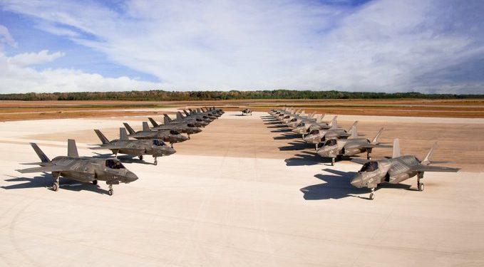 F-35: Επίδειξη ισχύος των Αμερικανών Πεζοναυτών με μαζικό «scramble» stealth μαχητικών [pic]