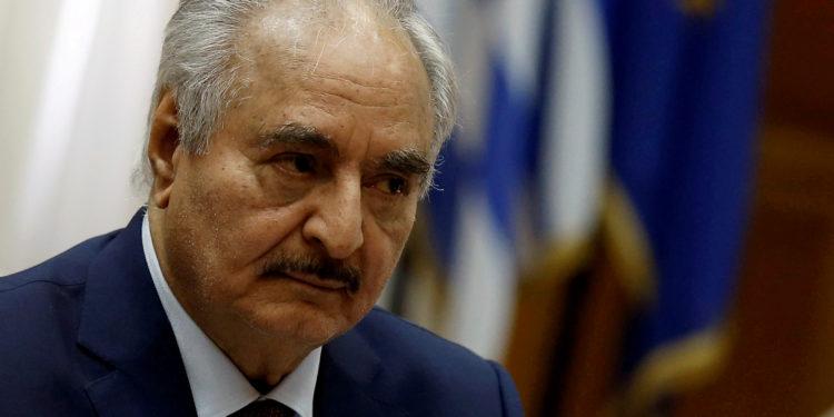 Η Γαλλία καλεί το Στρατάρχη Χάφταρ «να αποφύγει κάθε επανάληψη εχθροπραξιών στη Λιβύη»