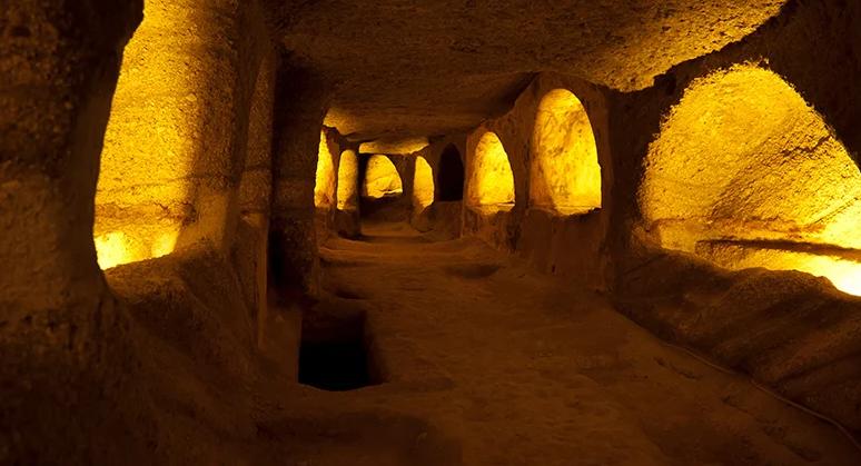 Κατακόμβες της Μήλου: Ένα εντυπωσιακό τεχνικό έργο της αρχαιότητας