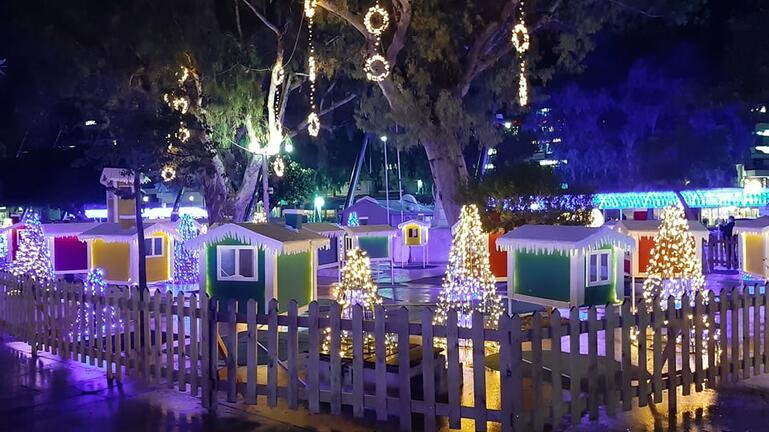 Η παραμυθένια ατμόσφαιρα των Χριστουγέννων φώτισε το κέντρο του Ηρακλείου!