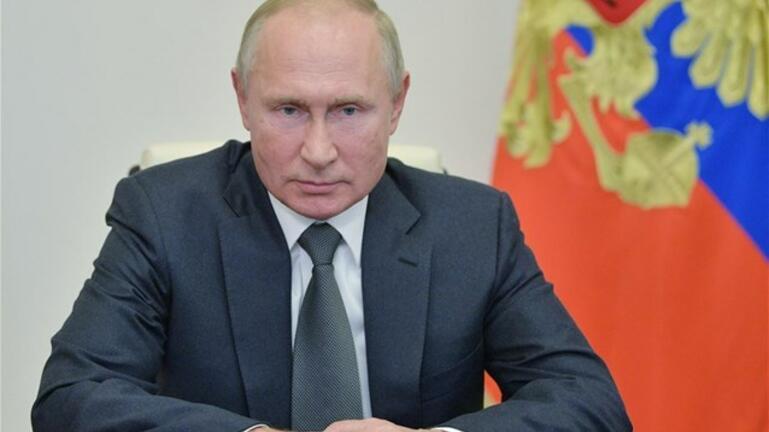 Ο Πούτιν αποφάσισε να εμβολιαστεί κατά του κορωνοϊού