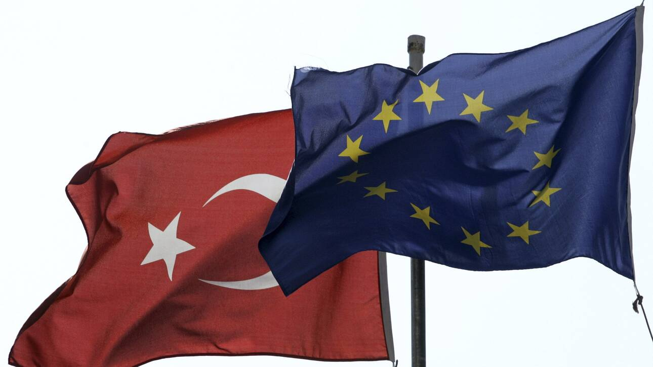 Bloomberg: Η Αθήνα θέλει πάση θυσία κυρώσεις κατά της Τουρκίας στη Σύνοδο Κορυφής