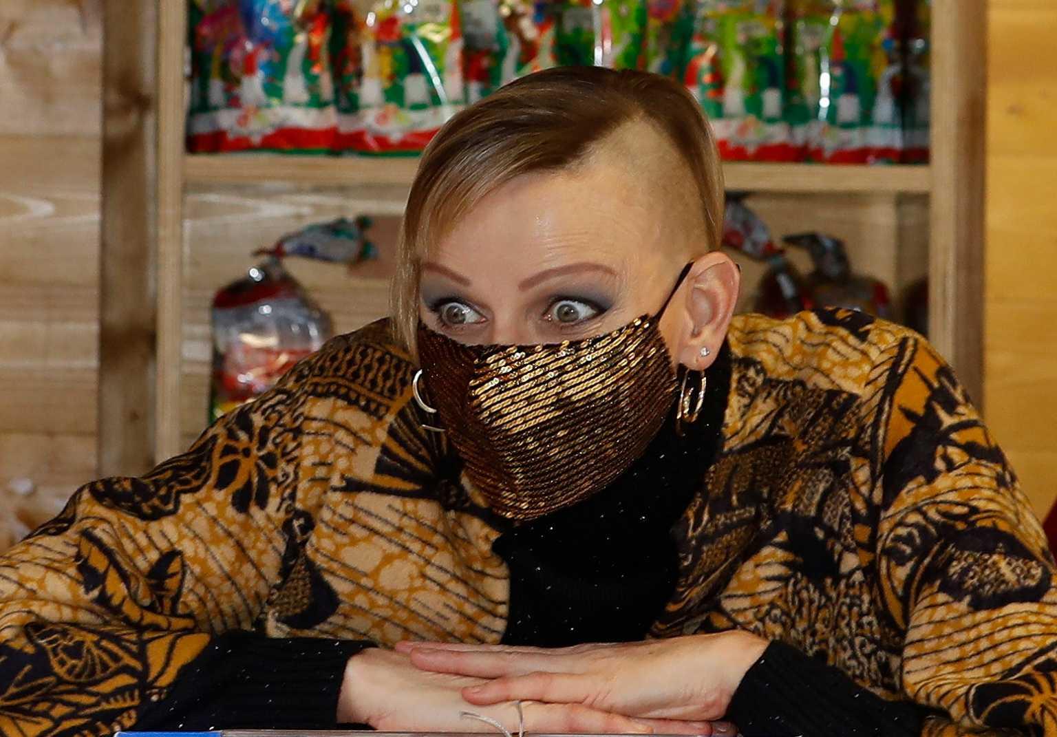 Η πριγκίπισσα του Μονακό Σαρλίν με ξυρισμένο κεφάλι: Το πανκ λουκ που συζητήθηκε (pics)