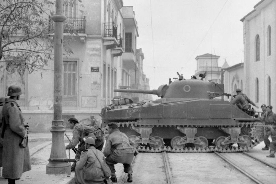 Σαν σήμερα: Τα «Δεκεμβριανά» και ο εμφύλιος πόλεμος της Αθήνας μετά την κατοχή