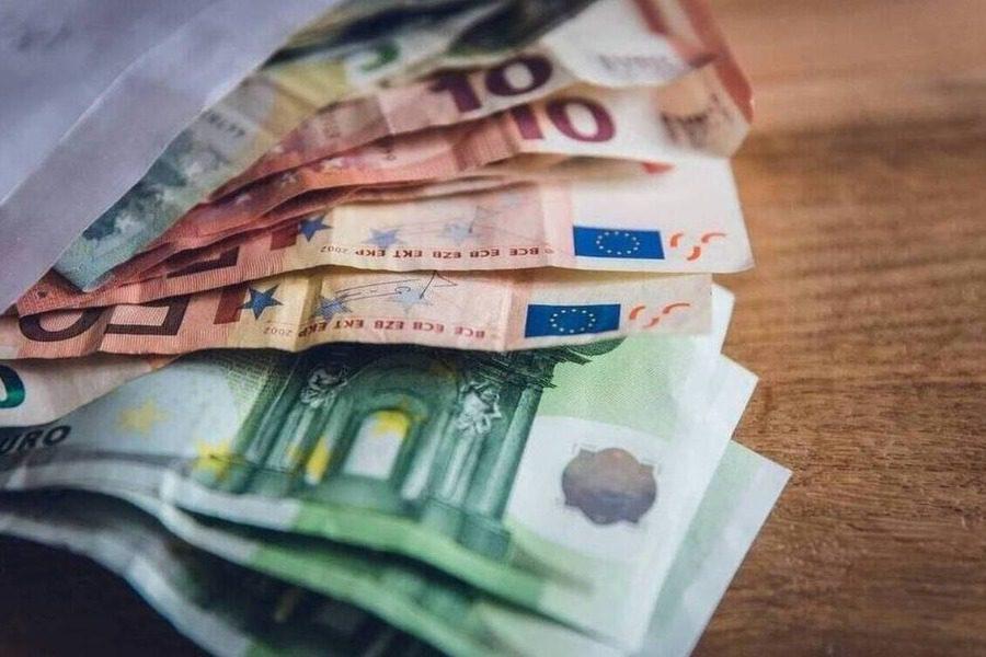 Τέλος τα 800 ευρώ της αποζημίωσης