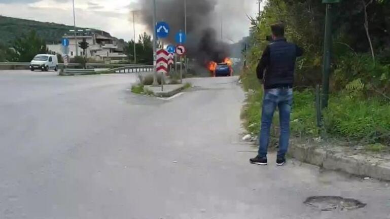 Έκτακτο: Φωτιά σε αυτοκίνητο στο δρόμο Ηρακλείου – Μοιρών