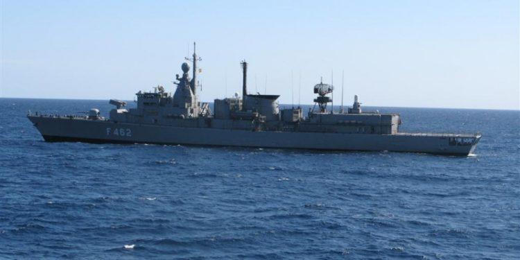 Συναγερμός στο Πολεμικό Ναυτικό: Θετικά κρούσματα κορονοϊού σε φρεγάτα