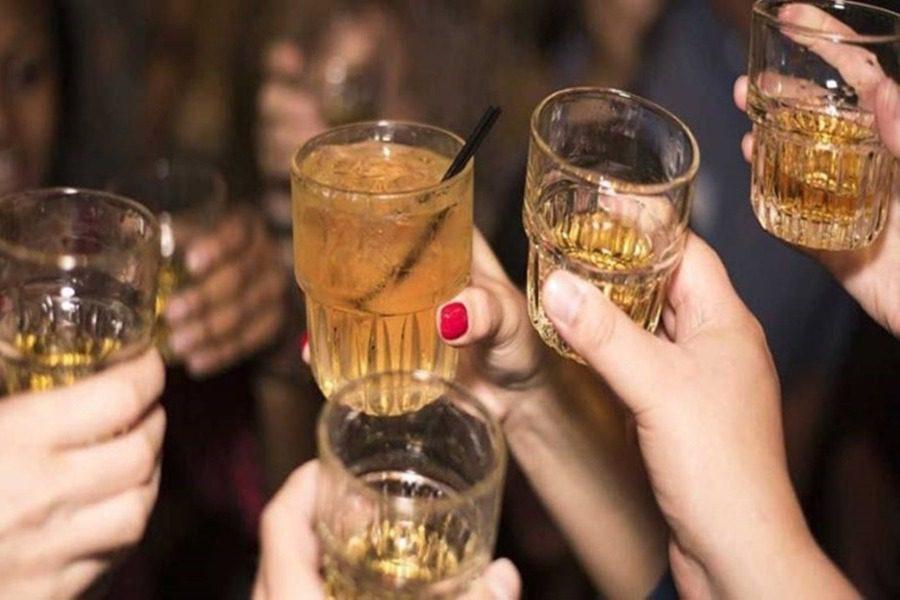 Κορωνοπάρτι με κάνναβη στη Θεσσαλονίκη