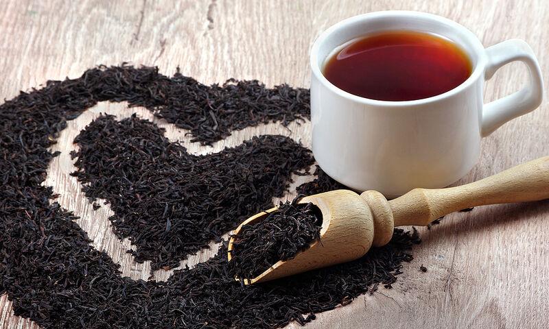 Μαύρο τσάι: 14 σημαντικά οφέλη από την καθημερινή κατανάλωση (βίντεο)
