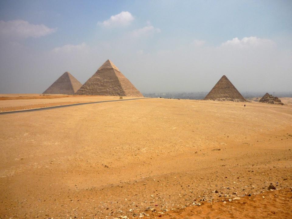 Αίγυπτος: Μοντέλο συνελήφθη λόγω «άσεμνης φωτογράφισης» μπροστά από πυραμίδα [εικόνες]