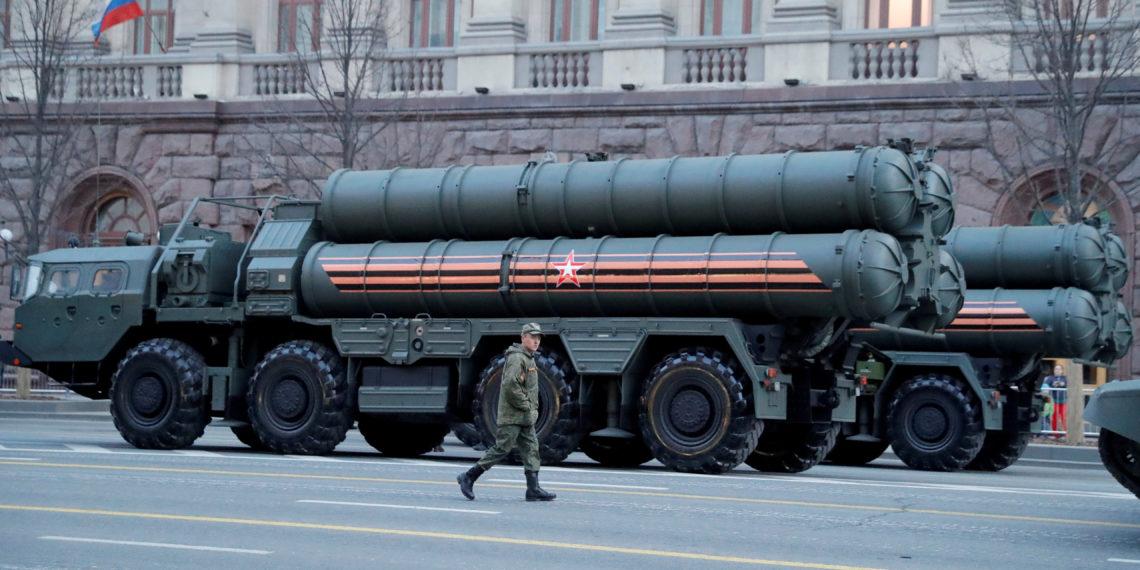 Το Στέιτ Ντιπάρτμεντ διαψεύδει Τσαβούσογλου: «Δεν υπάρχει ομάδα εργασίας για τους S-400»