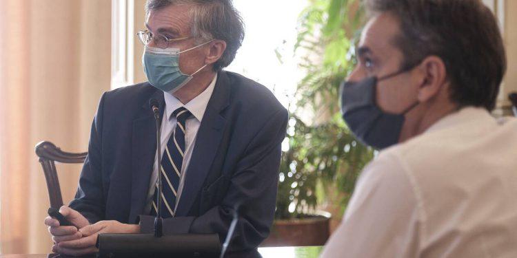 Ανατροπή: Η εισήγηση Τσιόδρα σε Μητσοτάκη για τα Χριστούγεννα