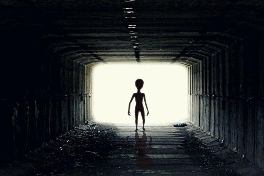 Επιστήμονας έχει μια τρομακτική θεωρία για το γεγονός ότι ακόμη δεν έχουμε βρει εξωγήινους