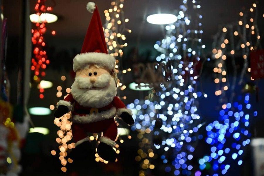 Χριστούγεννα με κορωνοϊό: Λιανεμπόριο με δόσεις, σχολεία και εστίαση από το 2021