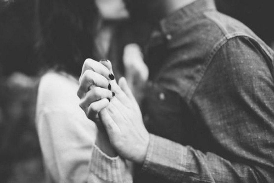 42χρονη μητέρα ερωτεύτηκε τον 20χρονο κολλητό του γιου της και έκαναν σχέση