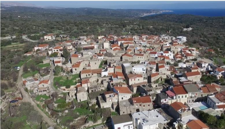 Το μεσαιωνικό καστροχώρι Χίου που είναι χτισμένο πάνω σε βράχο