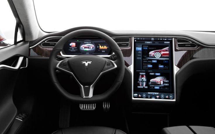 Αίτημα ανάκλησης 158.000 οχημάτων Tesla στις ΗΠΑ