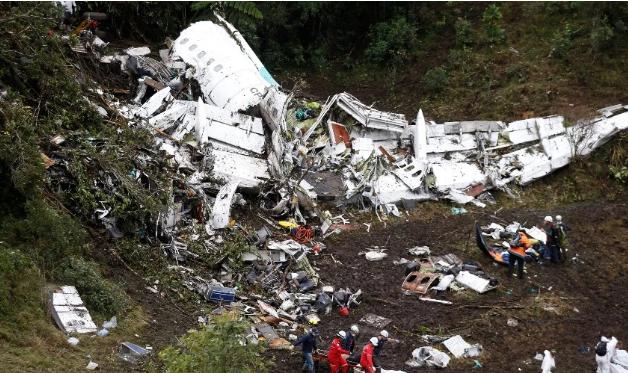 Έπεσε αεροπλάνο με ποδοσφαιρική ομάδα στη Βραζιλία – Νεκρός ο πρόεδρος, τέσσερις παίκτες και ο πιλότος