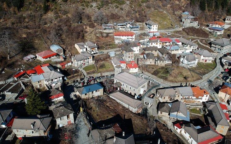 Πληκάτι: Το χωριό που νομίζεις ότι ακουμπά στον ουρανό