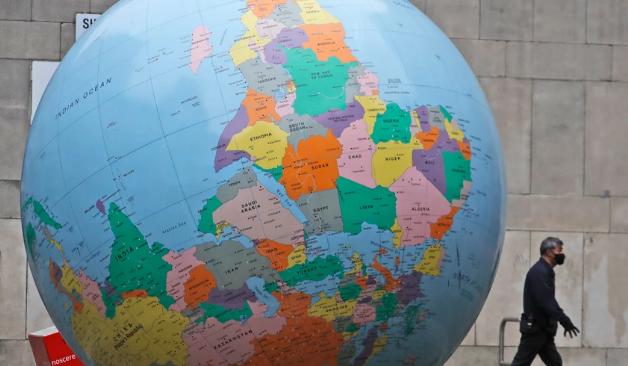 ΠΟΥ: Τέσσερις μεταλλάξεις του κορονοϊού στο μικροσκόπιο – Σε 60 χώρες το βρετανικό στέλεχος