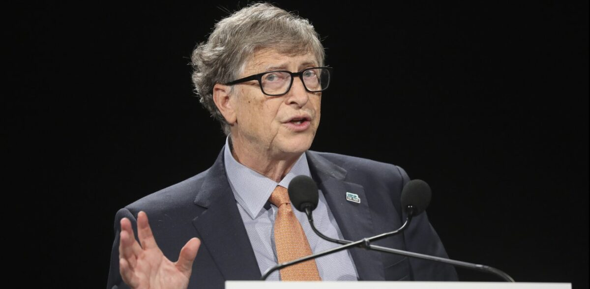 Bill Gates: Απαντά ανοιχτά στις θεωρίες συνωμοσίας για τον κορονοϊό