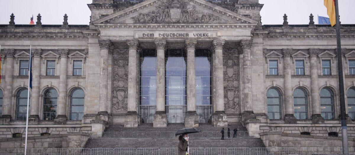 Παραδοχή από Γερμανία που ανατρέπει όλα τα δεδομένα: «Μικρή επίδραση κατά του κορωνοϊού έχουν τα περιοριστικά μέτρα»