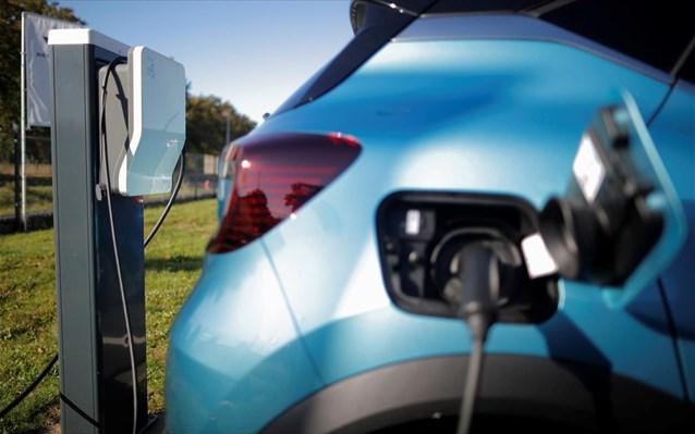 Στο προσκήνιο παραμένουν ανανεώσιμες πηγές ενέργειες και ηλεκτροκίνηση