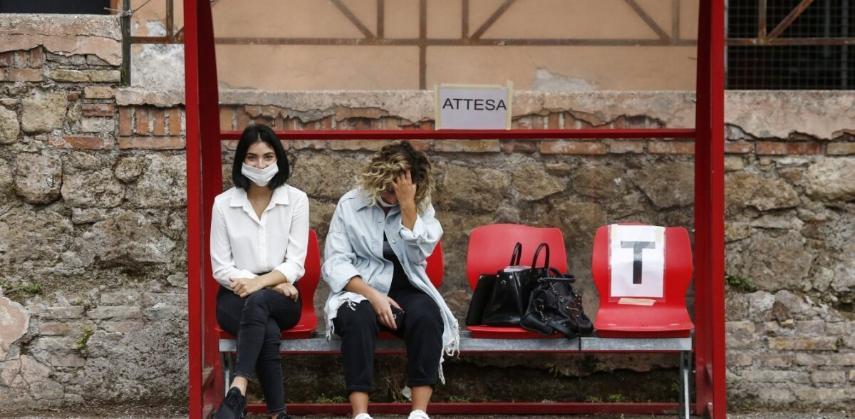 Κορονοϊός: Η Ιταλία κατέγραψε σε 24 ώρες πάνω από 16.000 κρούσματα κορονοϊού