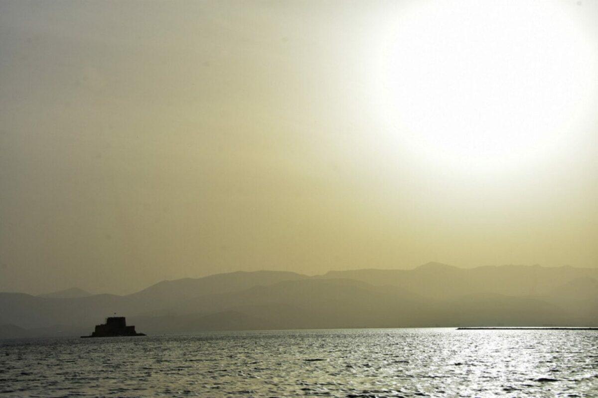 Καιρός: Θερμή εισβολή το Σαββατοκύριακο στην Ελλάδα – Στην κατάψυξη η υπόλοιπη Ευρώπη