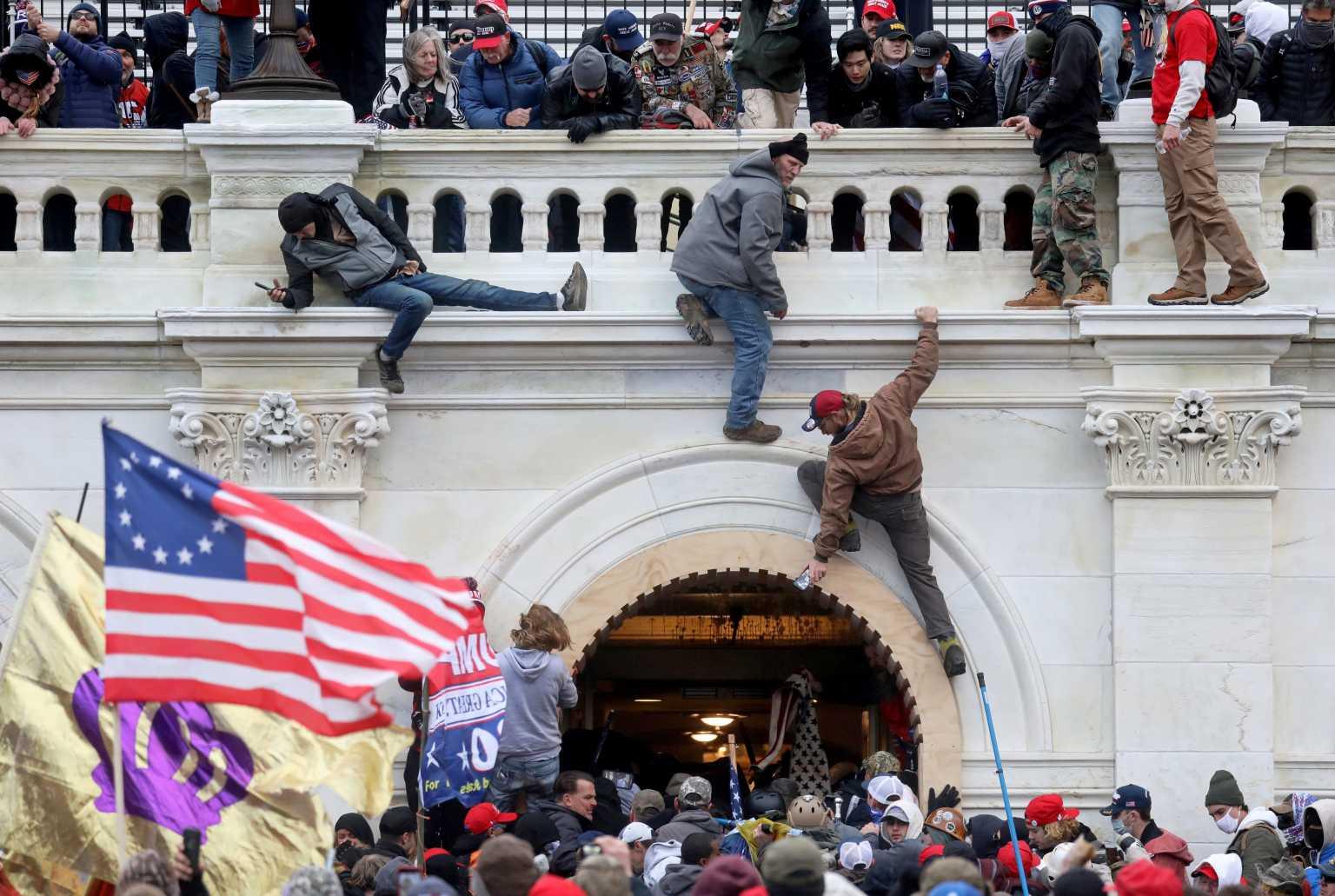 ΗΠΑ: Συνελήφθη Τεξανός ταραξίας του Καπιτωλίου – Κατηγορείται ότι απειλούσε να σκοτώσει Δημοκρατική βουλευτή