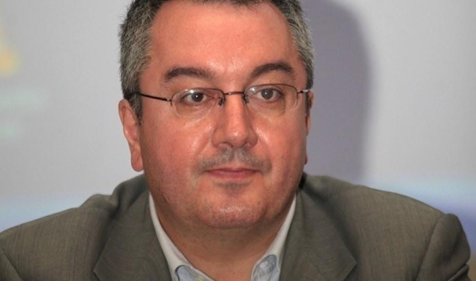 Ηλίας Μόσιαλος: Τι ισχύει για τους εμβολιασμούς σε όσους νόσησαν από κορονοϊό
