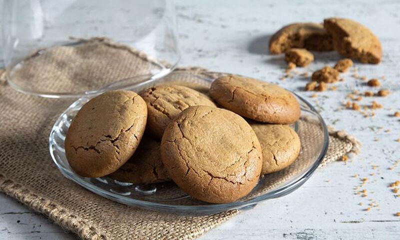 Άκης Πετρετζίκης: Cookies με ζάχαρη καρύδας