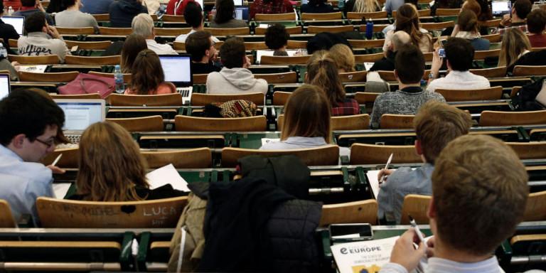 Τι αλλαγές φέρνει το νομοσχέδιο του υπουργείου Παιδείας για τα ΑΕΙ: Ελάχιστη βάση εισαγωγής, όριο φοίτησης