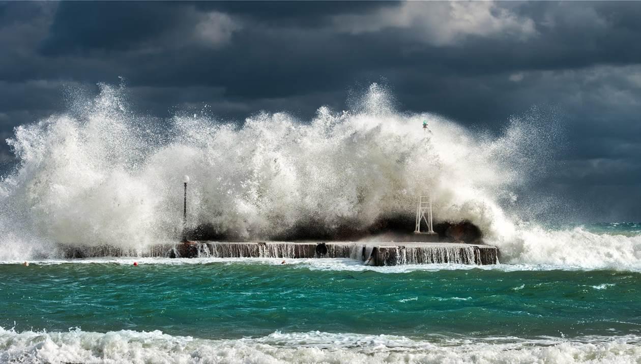 Θυελλώδεις άνεμοι έως 9 μποφόρ θα «σαρώσουν» την Κρήτη