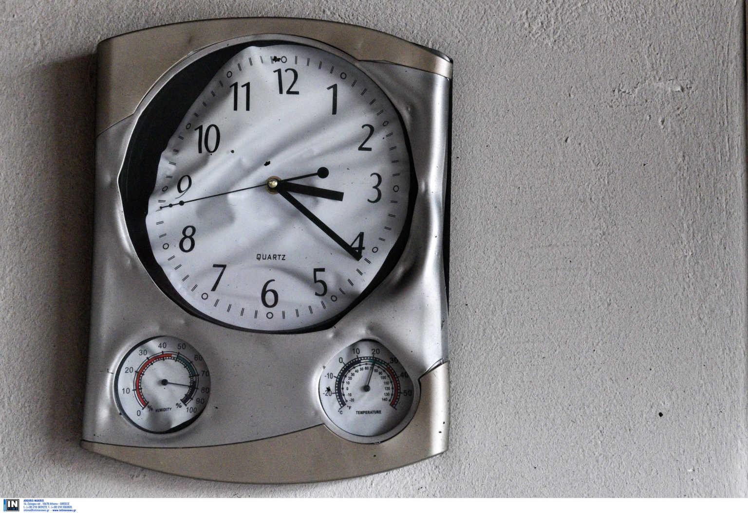 Αλλαγή ώρας: Την Κυριακή γυρνάμε τα ρολόγια μας – Γιατί δεν καταργήθηκε το μέτρο