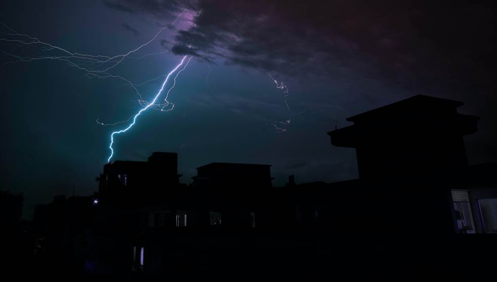 Διαδοχικά «κύματα» κακοκαιρίας με ισχυρά φαινόμενα έως την Τετάρτη