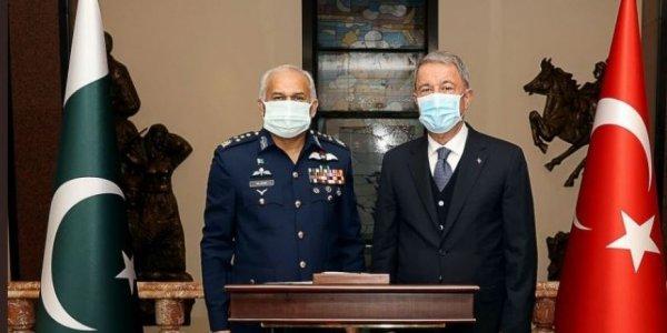 Αρχηγός Αεροπορίας Πακιστάν: Πλήρης στήριξη σε Τουρκία για την Κύπρο