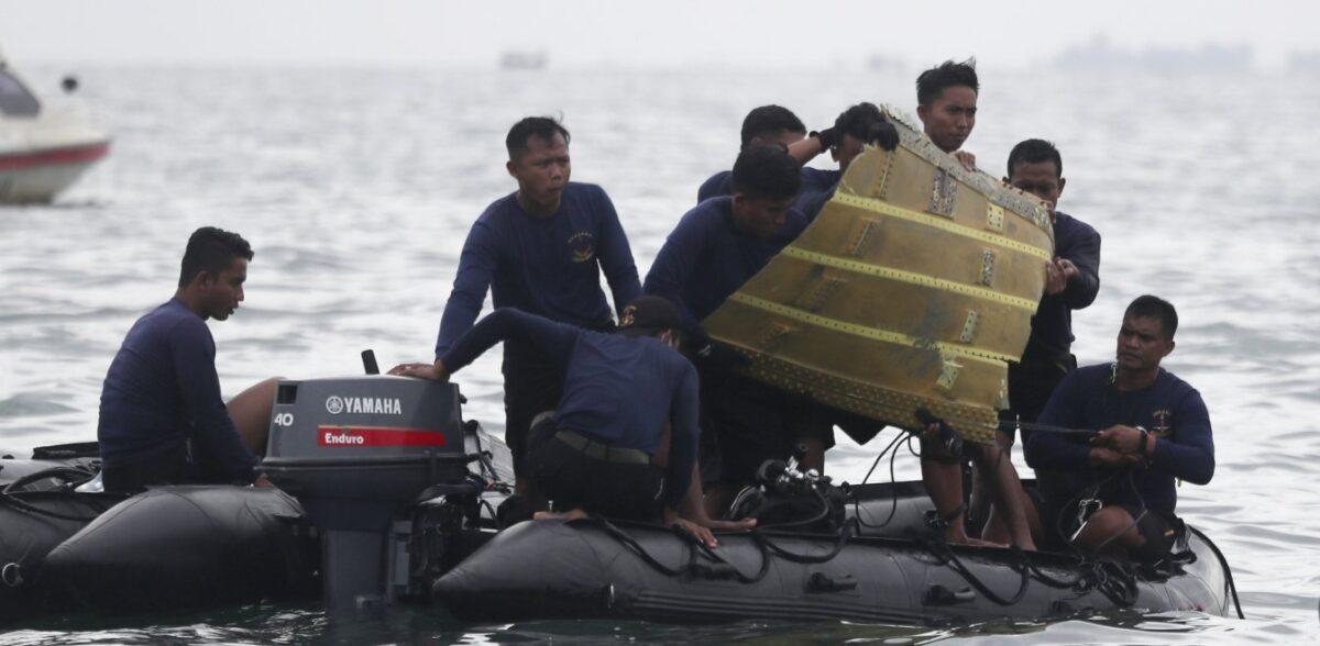 Sriwijaya Air: Βρέθηκαν μαύρα κουτιά του Boeing που συνετρίβη στην Ινδονησία