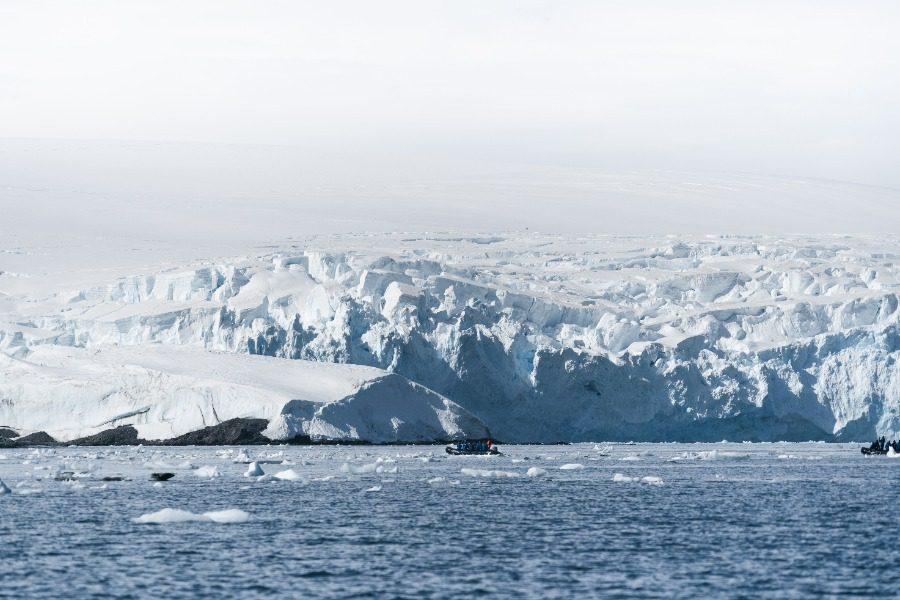 Το παράξενο «club 300» της Ανταρκτικής δεν είναι αυτό που νομίζεις