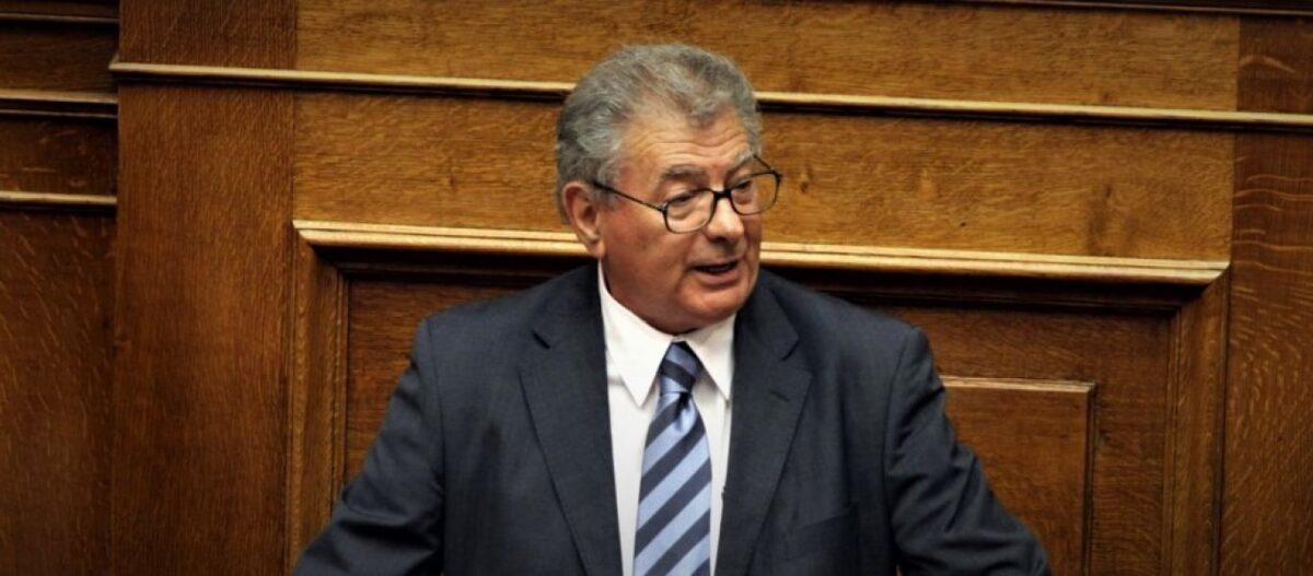 Θρίλερ στον Ευβοϊκό κόλπο: Αγνοείται ο πρώην υπουργός Σήφης Βαλυράκης – Βρέθηκε το σκάφος του χωρίς αυτόν