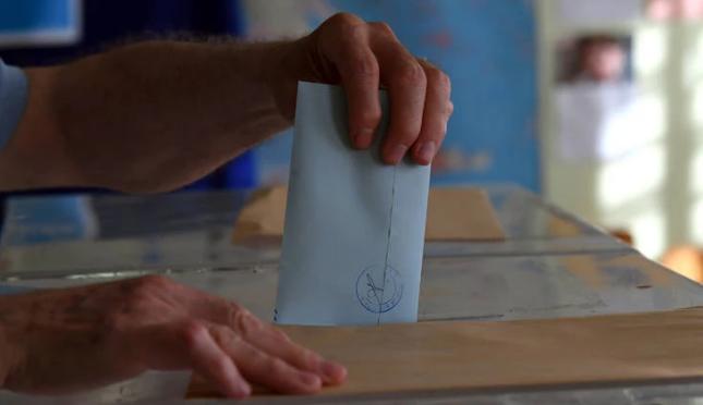 Δημοσκόπηση OPEN: Στις 14,5 μονάδες η διαφορά ΝΔ – ΣΥΡΙΖΑ