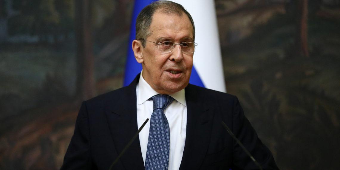 To «τραβά στα άκρα» ο Λαβρόφ: Η Ρωσία απειλεί την ΕΕ με διακοπή διπλωματικών σχέσεων