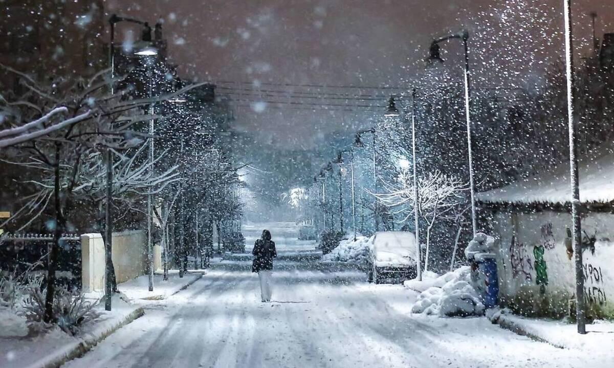 Καιρός: Πυκνές χιονοπτώσεις πανελλαδικά! Χιονοστρώσεις σε Θεσσαλονίκη και Αθήνα