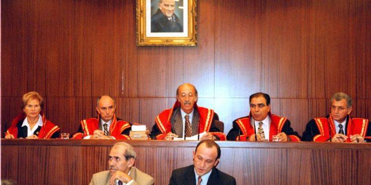 Τουρκία: Αίτημα άρσης της ασυλίας 25 βουλευτών της αντιπολίτευσης για τα επεισόδια στο Κομπάνι
