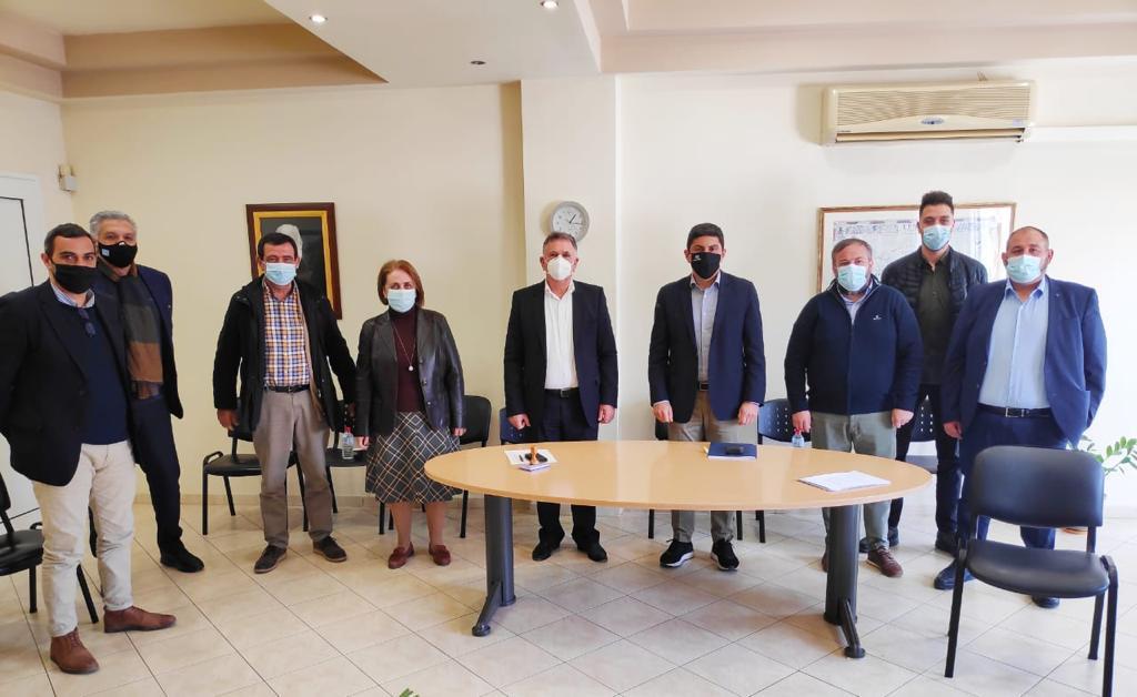 Υπέγραψε ο Αυγενάκης την Προγραμματική Σύμβαση για την ενεργειακή αναβάθμιση του μικρού κολυμβητηρίου στο Αρκαλοχώρι